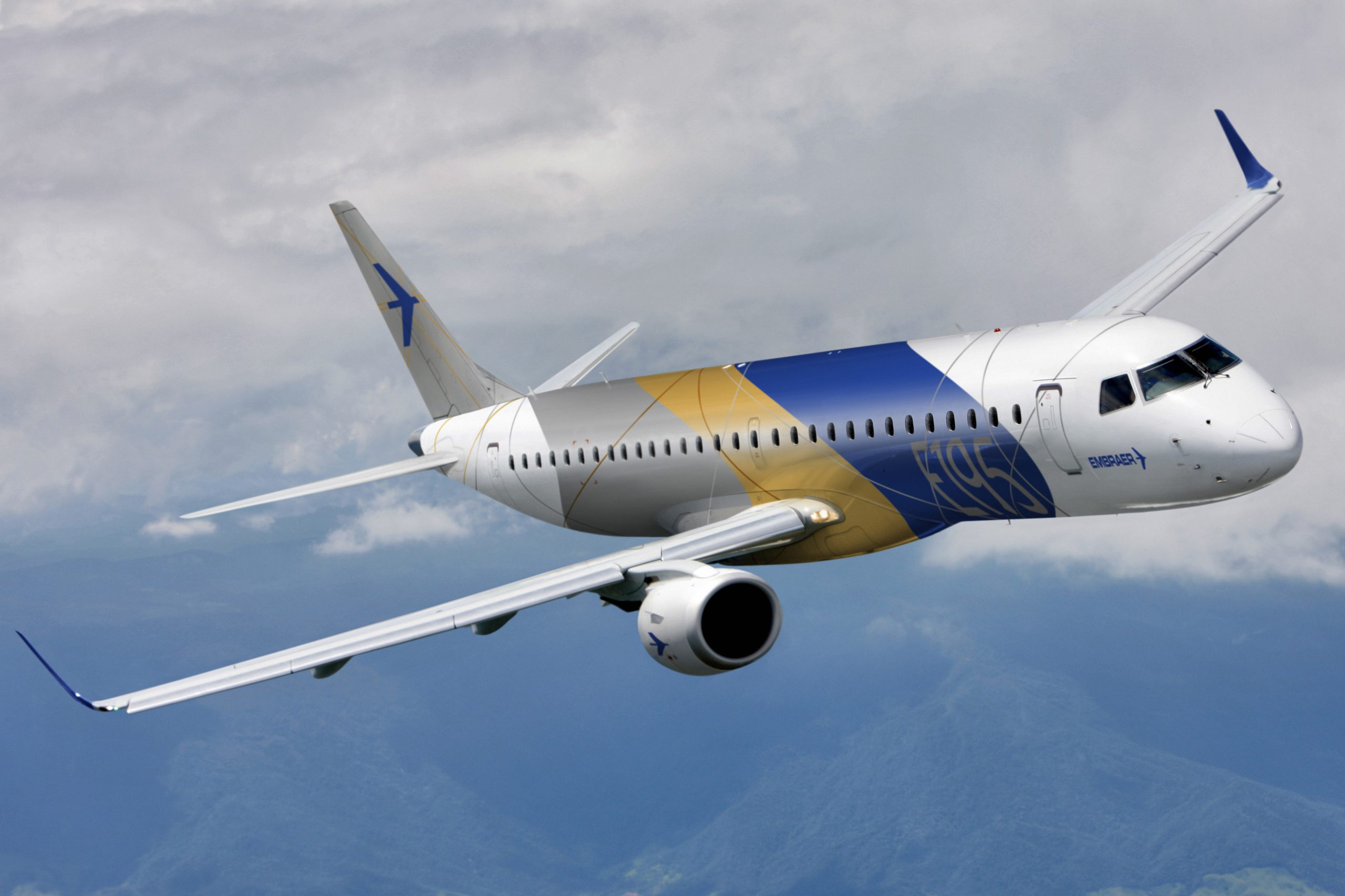 Embraer E-195